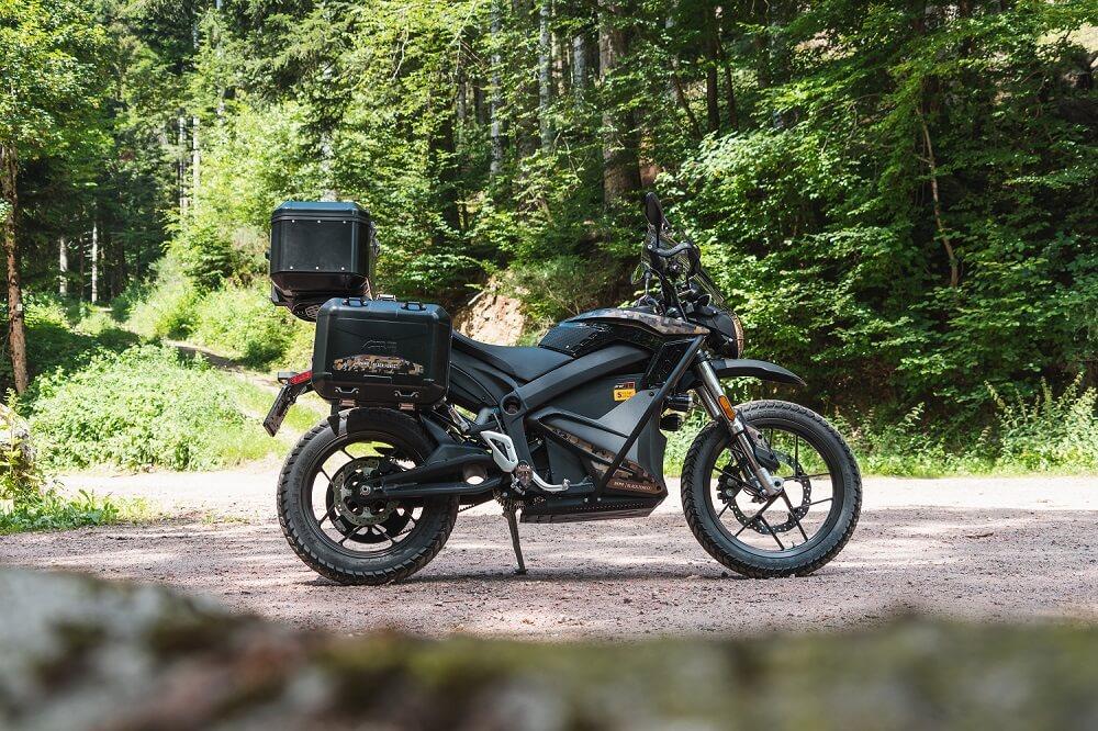 Das Bild zeigt ein Motorrad. Für Zero Motorcycles organisieren wir die Testfahrten.
